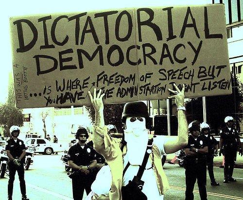 Sobre manifestantes, recortes, estallidos y algún tejemaneje